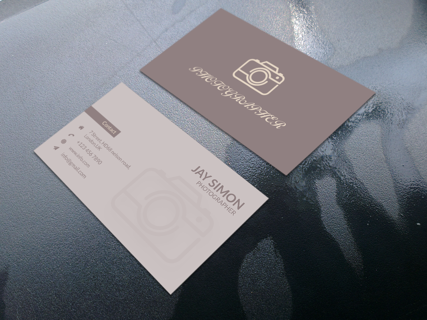 I create modern,  minimalist,  luxury business card
