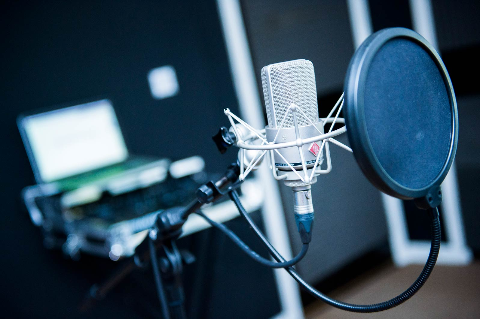 I will record a professional,  millennial american voice over