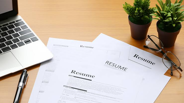 I'll help develop perfect,  up to date resumè,  cover letters,  application letters and many more.