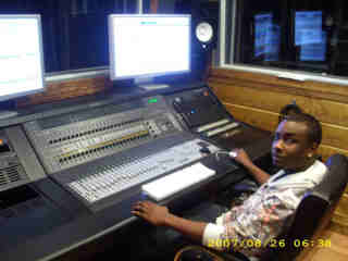 I Can Master Your Song To Top40 Quality In a Million Dollar Studio Via Pro Hardware/Software in 1day