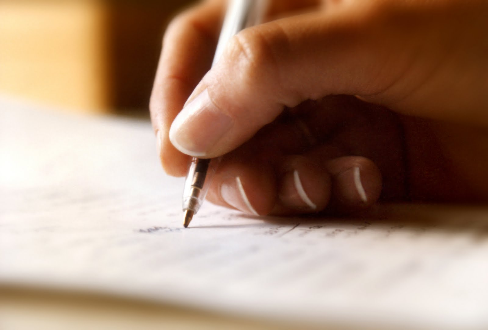 write one 500 word or four 300 word articles in english