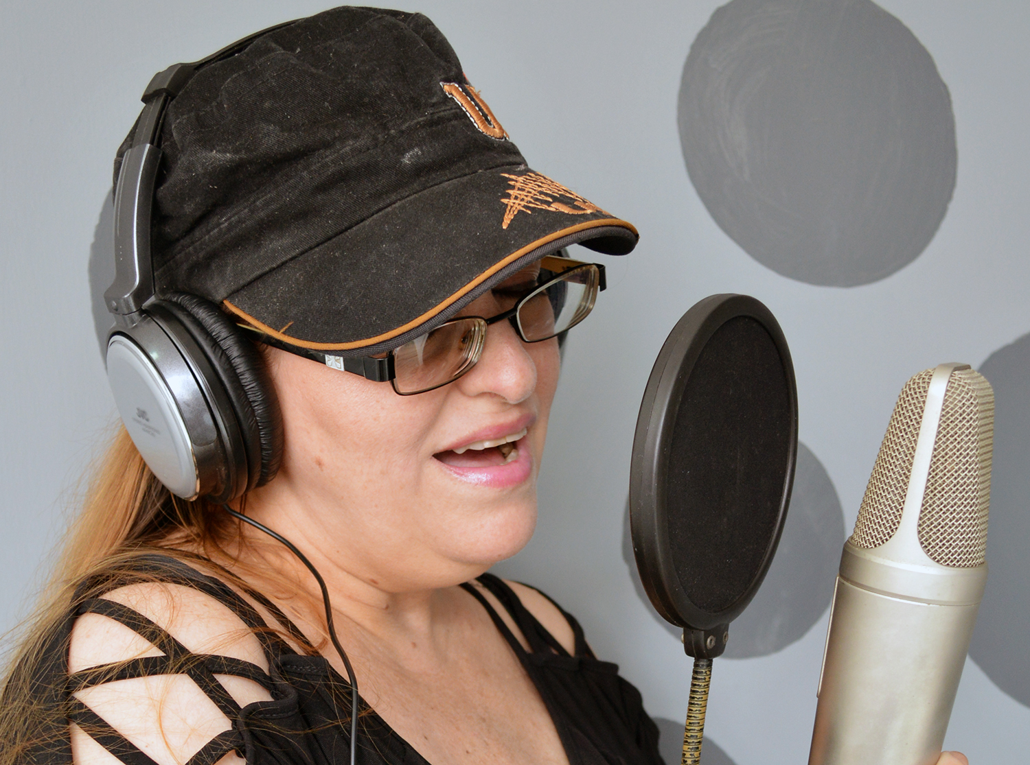 Singing Harmony,  create new harmony for your song