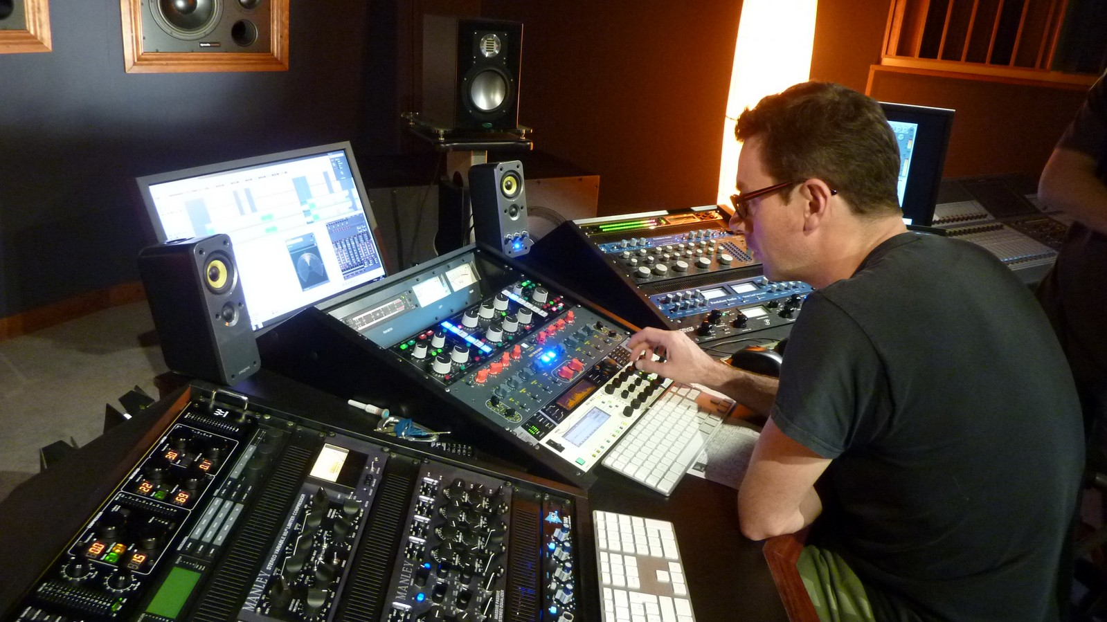 MASTERING your Audio Track for commercial release