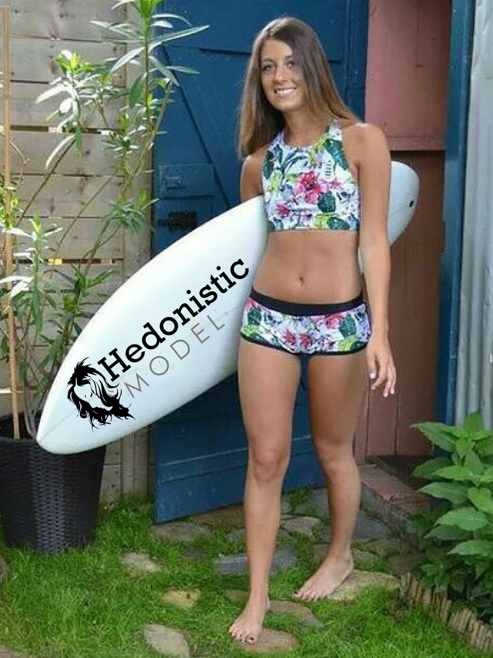 Display Your Logo And Site Text On 10 HD Surfboard With Girls Images